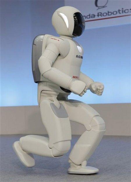 Asimo version 2011 peut courrir jusqu'à 9 kmh