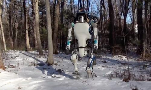 robot-atlas-marche