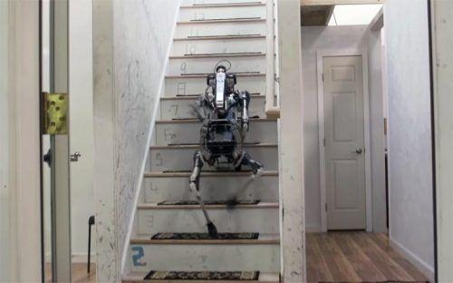 spotmini-monte-escaliers
